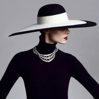 《时尚芭莎》《Vogue》《ELLE》为何都竞相刊登他的作品?
