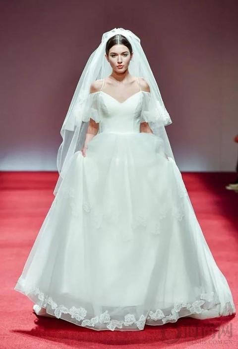 每件嫁衣都是一段爱情故事,将余生都托付给你