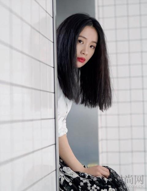 李夢喜歡酒但不貪杯,像她的生活微醺最好!
