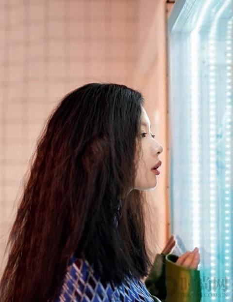 李梦喜欢酒但不贪杯,像她的生活微醺最好!
