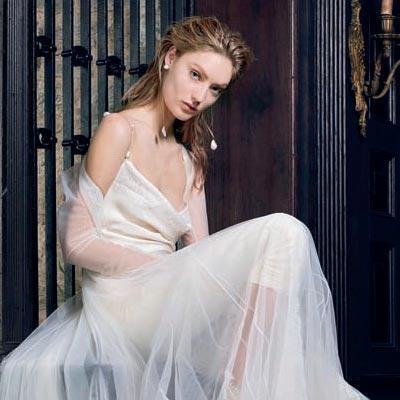 百变婚纱 穿出夏日柔情新娘
