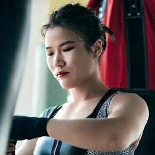 UFC冠军张伟丽 | 生活与拳头