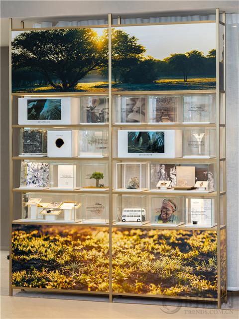 FOREVERMARK永恒印记全球首家新一代零售概念店 菜百公司总店二层闪耀揭幕