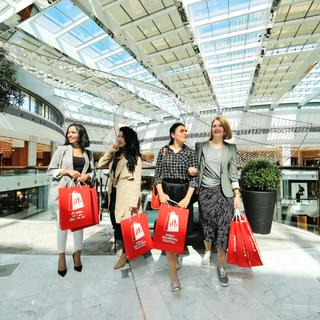 第25届迪拜购物节盛大启幕,点燃全城节日气氛。