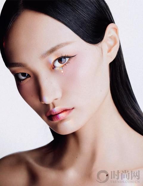 女团美貌,功劳一半靠眼妆