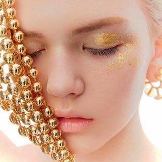 点肤成金 贵金属对驻颜的神奇功效