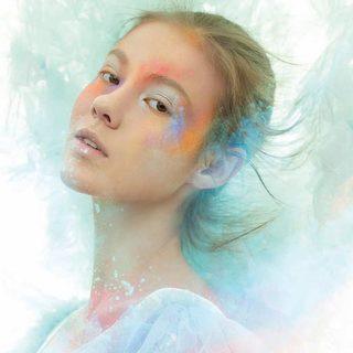 粉彩飞扬 让妆容散发别致的韵味