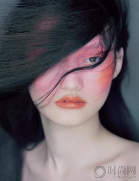 唇膏新用 给妆容注入新鲜活力