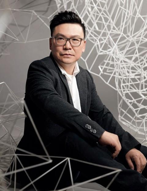 朱广荣 | 在纸艺装置中诉说情感