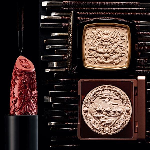 化妆品上的雕花